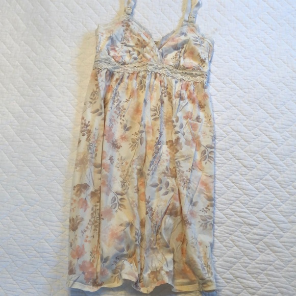 Jessica Simpson Other - Nursing nightgown